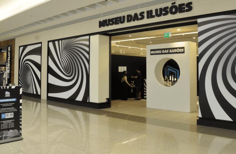 Museu das Ilusões estende temporada em São Luís até dezembro A mostra oferece uma experiência divertida aos visitantes, que podem tirar fotos e gravar vídeos em situações inusitadas.